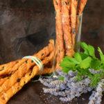 Хлебные палочки с сыром, хрустящие гриссини